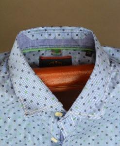 Chemise-manches-courtes-au-style-preppy-avec-imprime-printanier_3349