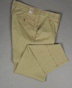 Pantalon-droit-coloris-sable-au-style-casual_3524