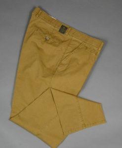 Pantalon-droit-couleur-caramel-au-style-casual_3512