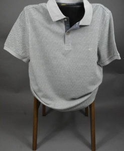 Polo-casual-a-fins-motifs-carres-couleur-greige_3468