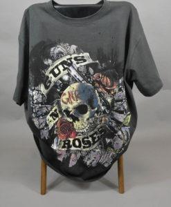 T-shirt-noir-imprime-aux-couleurs-du-groupe-Gun'N'Roses-pour-un-style-rock-et-casual_3106