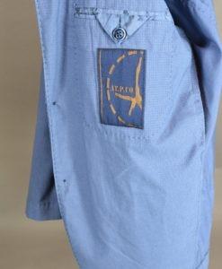 ATPCO, Veste deux boutons d'un bleu lumineux, style urbain.