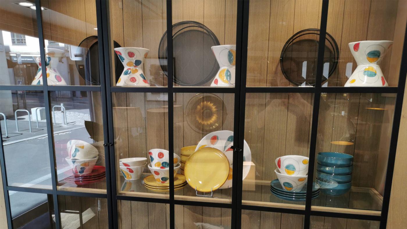 vitrine-vaisselles-IM-INITIALES